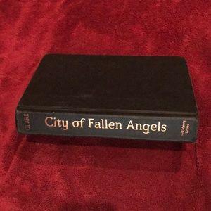 City of Fallen Angels Book (TMI Cassandra Clare)